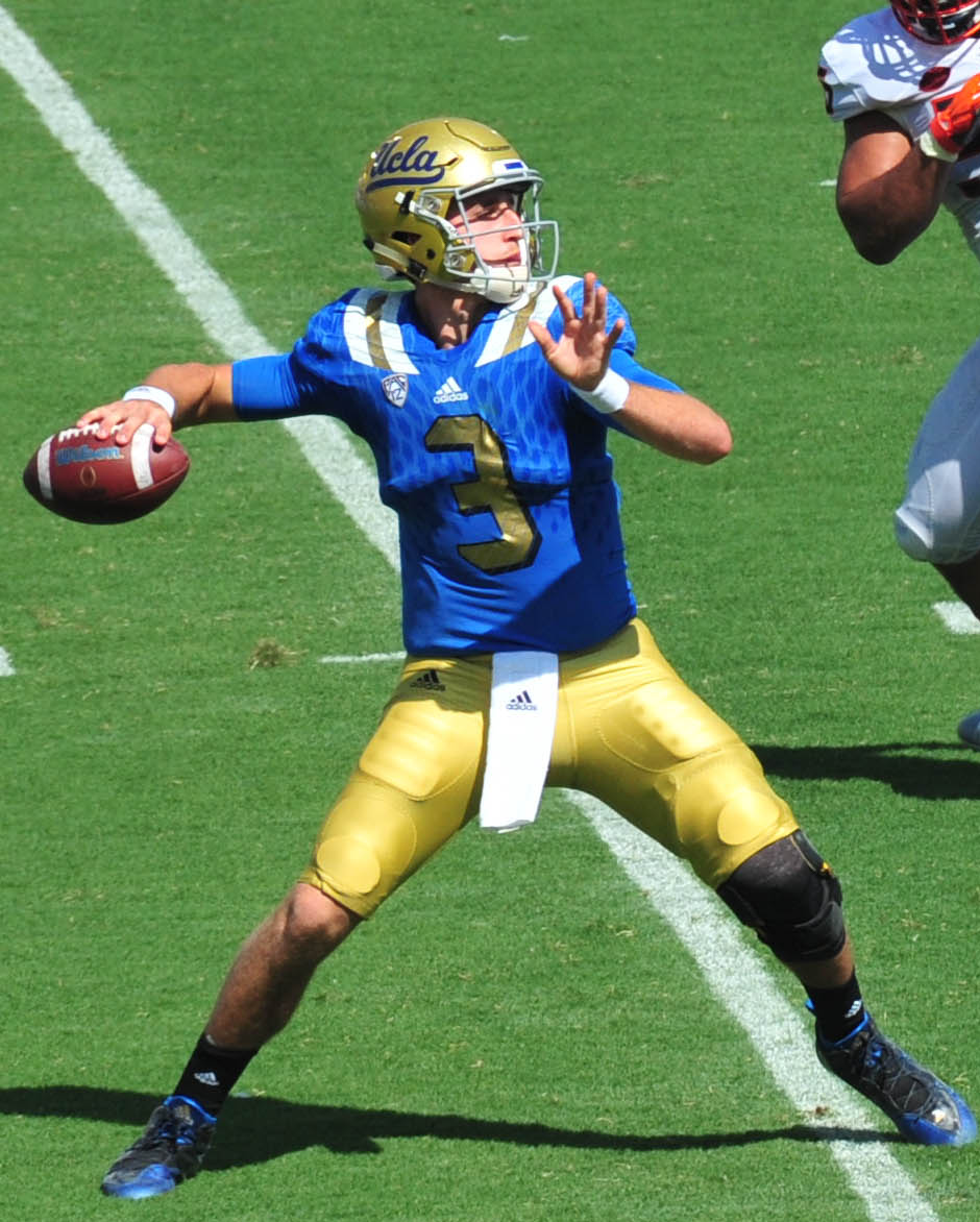 Josh_Rosen_vs_Virginia_(cropped)